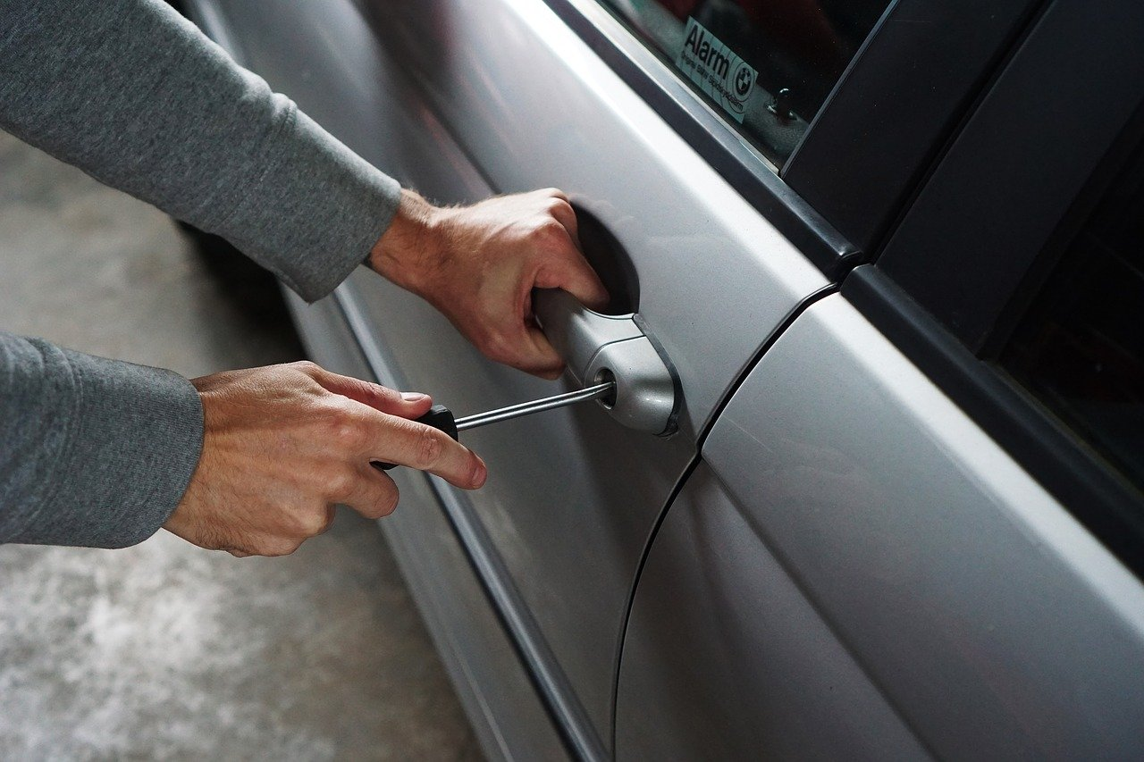 Inmovilizadores de coche y llaves codificadas antirrobo