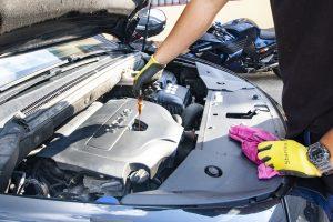 Cambiar el aceite motor y el resto de líquidos, antes de que estos alcancen su fecha de cambio estimada